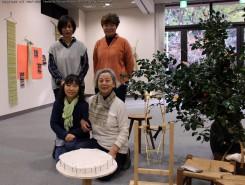 小林斐子さん(前列右)と受講生のみなさん