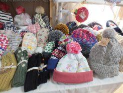 これからの季節に活躍しそうな帽子や手袋