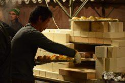 毎回人気の「窯焼きパイ」。名前のとおり窯で焼き上げる