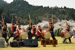 甲南太鼓の演奏が始まった