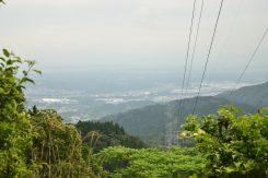 大納言の山頂から見える信楽の街並