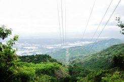 答えは・・・・この見晴らしの良い風景。山頂から見えるのは湖南市
