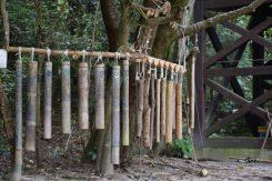 ネイチャーセンタ前の広場にある、竹でできた木琴は、温もりのある音色