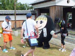 甲賀市のゆるキャラ「にんじゃえもん」も応援にかけつけた