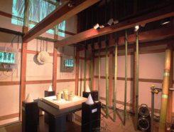 蔵の中には2組の現代アートが展示されている