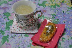 手作り甘酒、ほんのりと生姜が効いた優しい味で美味しく体が温まった