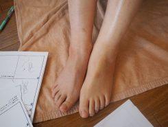 左足が終わったところ。むくみが取れて肌色も明るくなった