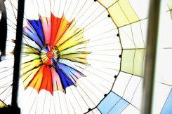 最後に気球をたたむ時は、上部が開いて空気が抜ける仕組み