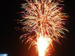 花火の後、還御の儀で祭りは終わる