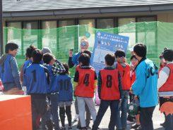 スポーツ雪合戦は日本発祥の国際競技。はじめて顔を合わせたメンバーがチームを組み戦う