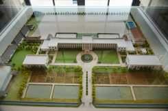 約4万平方メートルもの敷地にはプールや図書館なども建てられた