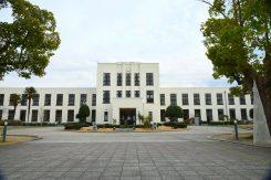 ヴォーリズ設計による校舎は登録有形文化財となっている