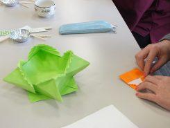 小さい折り紙で作ると少し難しい