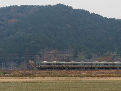 安土城址付近は、電車が綺麗に見える