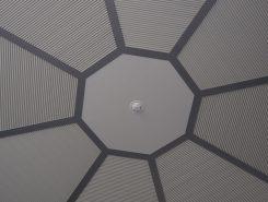 安土城天主をイメージした八角の天井