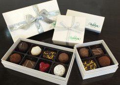 トリュフやチョコレートは1個から購入可能お好みで箱詰め(3個882円~、箱代込)