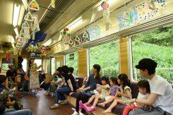 緑の中を走る信楽高原鐵道