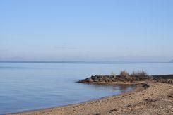 冷たく澄んだ空気と琵琶湖