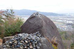 積み上げられたたくさんの石