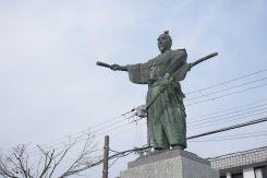 北広場の織田信長像