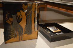 伝光悦作の「鹿蒔絵螺鈿硯箱」部分