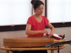 最後はピアノ曲をカンテレで演奏