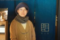 お店では、盛(もり)さんが出迎えてくれた。Ogamaはギャラリーだけでなく、ショップとカフェも併設
