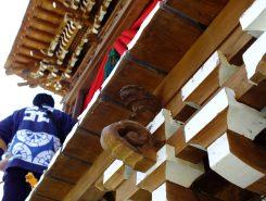 精巧な彫刻が施された「天神町」の曳山