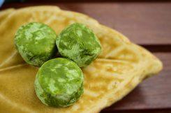 サクサクおいしい「あさみや小石」は、濃厚抹茶のアーモンドクッキー