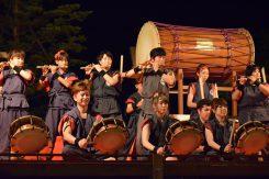 紫香楽太鼓「炎」による演奏が始まった