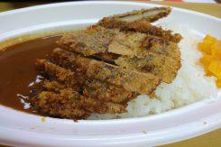 「椎茸カツカレー」は大人気。お肉ではなく椎茸カツ!