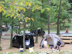 キャンプをして2日間楽しんだグループもたくさんいた