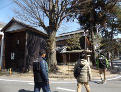 水口神社近くの曳山の入った蔵
